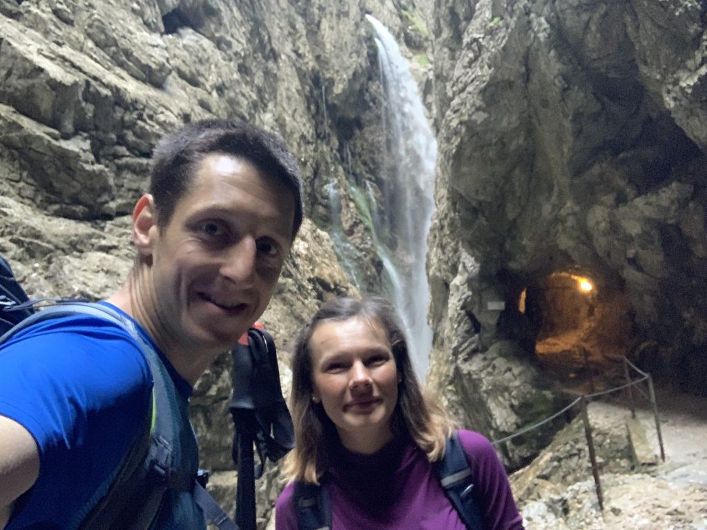 Ścieżki, wodospady, kute tunele