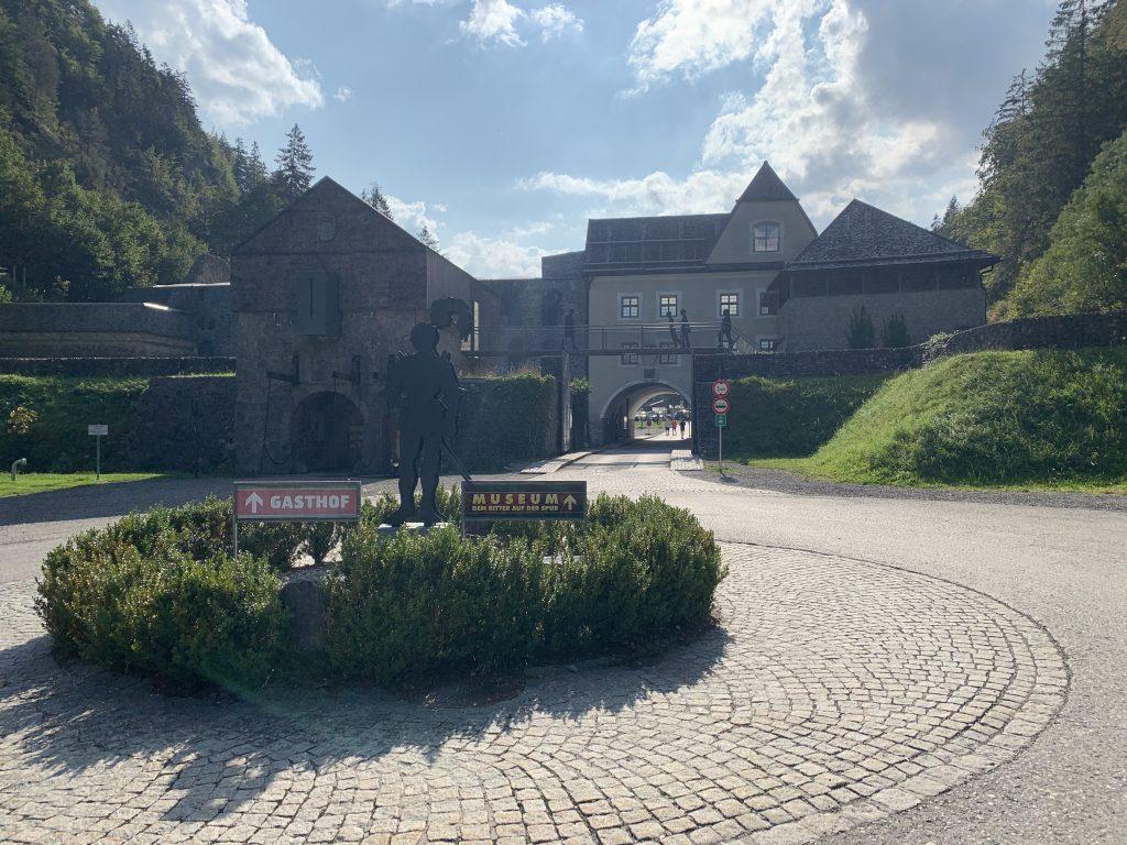 Garmich-Partenkirchen - Dolna część zabudowań wartowniczych