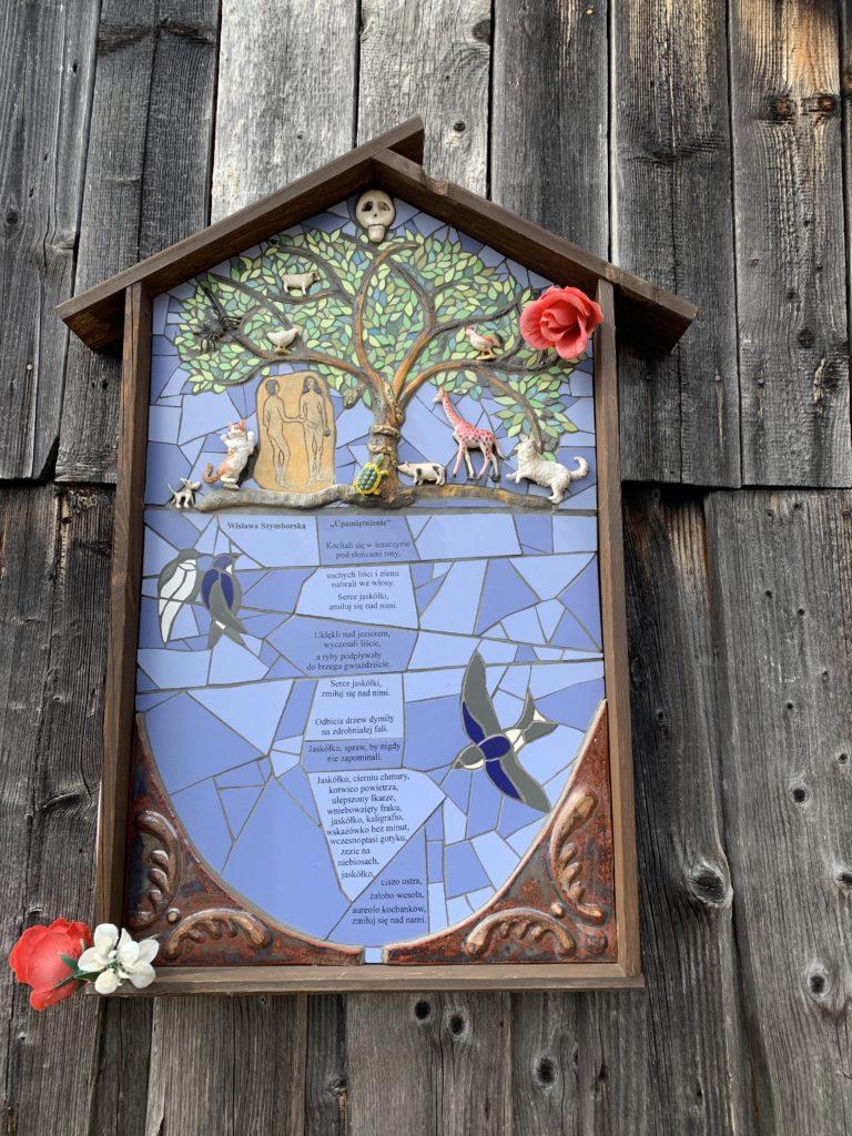 Gorc - Mini płaskorzeźba: Adam, Ewa, drzewo, wąż i wiersz Wiesławy Szymborskiej