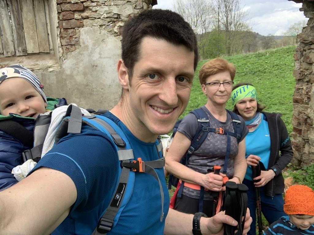 Ścieżka do Ralla - W ruinach dworu Leoncin